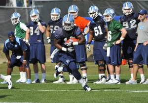 UNC Running Back A.J. Blue Appears Ready to Pick Up Where Giovani Bernard Left Off