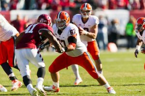 Standout Syracuse Lineman Justin Pugh is Now a New York Giant